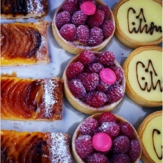 Authentic_French_Patisseries_Street_Food