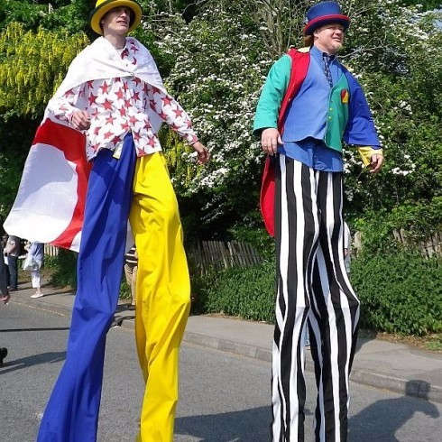 stilts_walkers11-490×490
